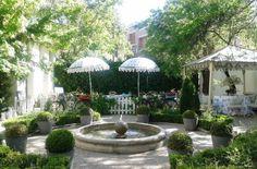 el jardin de villa clotilde Fountain, Outdoor Decor, Plants, Gardens, Celebrations, Bonito, Lugares, Water Fountains, Flora