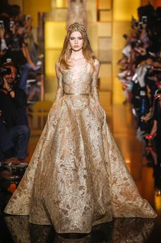 Elie Saab Fall 2015 Couture - Collection - Gallery - Style.com - Look 19