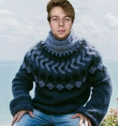 Surfer Hair, Pulls, Turtle Neck, Pullover, Hot, Sweaters, How To Wear, Fashion, Big Sweater
