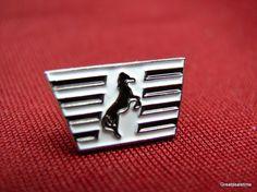 N&S Thurobred RR RAILROAD TRAIN Horse Logo Hat LAPEL PIN picclick.com