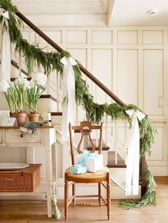 Christmas Garland on the Stairs - A collection of staircase decorating