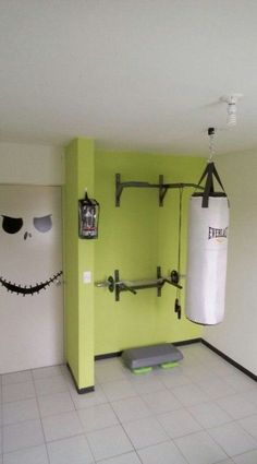 √ Best Home Gym Ideas and Gym Rooms for Your Training Room A home gym is an excellent way to save money. Have a look at the top home gym ideas along with tiny exercise area ideas for your home. Home Gym Basement, Home Gym Garage, Diy Home Gym, Gym Room At Home, Home Gym Decor, Best Home Gym, Workout Room Home, Workout Rooms, At Home Workouts