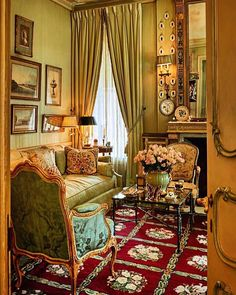 French Architecture, Old Soul, Carpet, Room Decor, Houses, Curtains, Traditional, Interior Design, Living Room