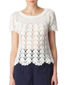 White Crochet top with charts Crochet T Shirts, Crochet Tunic, Crochet Clothes, Crochet Lace, Crochet Summer Tops, Crochet Tops, Bikinis Crochet, Mode Crochet, Crochet Woman