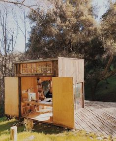 Increase The Value Of Your Residence Through Home Improvement – Home Dcorz Prefab Homes, Cabin Homes, Backyard Studio, Small Buildings, Tiny Spaces, Tiny House Living, House In The Woods, Building A House, Architecture Design