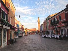 Burano's main street in the evening: Venice's fishing island has a quiet charm very different from the main islands. A great spot to run!
