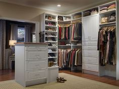 Resultado de imagem para Mary Alice Stephenson's accessory drawers in her closet