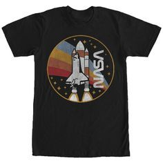 Nasa NASA Space Shuttle T-Shirt. - On this black t-shirt, you can see a circle with a rainbow within and the Space Shuttle and the NASA logo. This could be the space t-shirt you dream about! Tee Shirt Homme, Sweatshirt, Nasa Rocket, Nasa Clothes, Space Outfit, Vetement Fashion, Heart Shirt, Space Shuttle, Graphic Shirts
