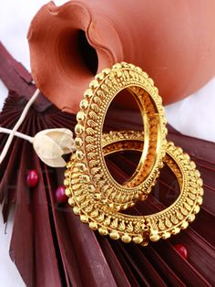Jewelry OFF! Kada with Antique Gold Finish Gold Bangles Design, Gold Jewellery Design, Gold Jewelry, Fancy Jewellery, Quartz Jewelry, Jewellery Shops, Temple Jewellery, Jewelry Stores, Bridal Jewelry Sets