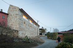 Gallery of Feitais House / José Lobo Almeida - 11