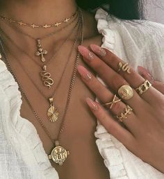 Discovered by Vera. Find images and videos about girl, pretty and nails on We Heart It - the app to get lost in what you love. Nail Jewelry, Trendy Jewelry, Cute Jewelry, Luxury Jewelry, Gold Jewelry, Jewelery, Jewelry Accessories, Fashion Accessories, Fashion Jewelry
