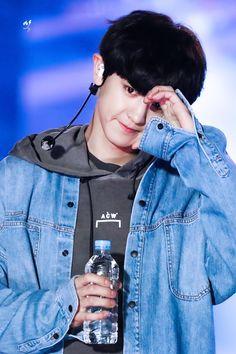 i see him face and immediately i hear him rap Baekhyun, Foto Chanyeol Exo, Chanyeol Cute, Kpop Exo, Exo K, Chanbaek, Kaisoo, Exo Ot12, K Pop
