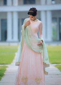 Harshita Chatterjee-Deshpande Pale Pink Chandbali Embroidered Anarkali w/ Mint Dupatta. India Fashion, Ethnic Fashion, Asian Fashion, Mode Bollywood, Bollywood Fashion, Bollywood Lehenga, Indian Attire, Indian Wear, Pakistani Outfits