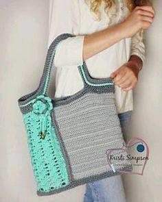 Patrón de este bolso en ravelry en la cuenta de #kristisimpson . Es de pago by patrones.crochet