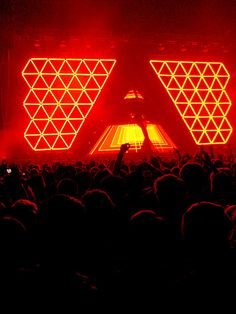Alive, uno de los escenarios más famosos del EDM a cargo de Daft Punk y XL Video.