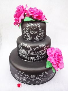 Bolo Cenográfico Chalkboard Love Rose Bolo Chalkboard, Love Rose, Desserts, Birthday Cakes, Wedding, Valentines Day Weddings, 15 Years, Roses, Tailgate Desserts
