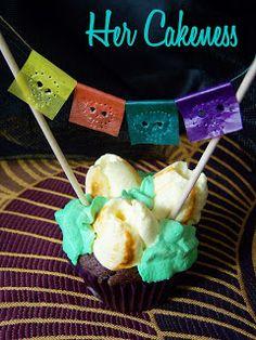 Her Cakeness: Papel Picado Cupcake Topper