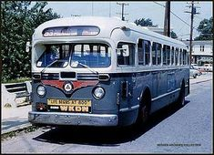 Public Service of New Jersey GM old look bus. Service Bus, Public Service, Needles Highway, Retro Bus, Bus Terminal, Busses, Bus Stop, Big Trucks, Vintage Travel