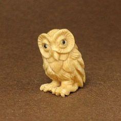 Mammoth Ivory Netsuke Owl Carving Ojime Bead (Q0400)