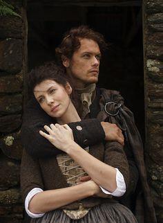 Claire e Jamie Fraser - Outlander  Acabei de ver a 1ª temporada desta série e só tenho a dizer que estou absolutamente rendida.  JESUS H. ROOSEVELT CHRIST!!