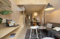 Heijmans ONE are prefab tiny houses designed for cities like Amsterdam. Heijmans is a Dutch construction company. They partnered with Mood Builders (architects). Prefabricated Houses, Prefab Homes, Portable House, Starter Home, Affordable Housing, Tiny House Design, Design Case, First Home, Small Living