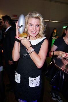 Pin for Later: Beim Deutschen Comedypreis 2015 ging es nicht nur lustig – sondern auch ganz schön emotional zu Mirja Boes Mirja Boes nahm den Preis für die Sendung Mein Bestes Jahr - Comedy mit Rückblick entgegen.