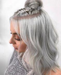 50 Best Half Up Half Down Hairstyles in 2017 Check more at http://hairstylezz.com/50-best-half-half-hairstyles-2017/
