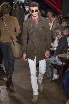 John Varvatos Spring 2017 Menswear Fashion Show... Love this colorway for Spring! Upholstery inspiration...
