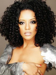 I wonder if I can get my hair to curl like this?