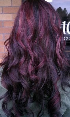 I'm literally obsessed with purple highlights. I wanna get this done for the summer. It's gorgeous