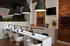 Nail Bar Coco Source by magdakiczka Interior Design Blogs, Spa Interior, Beauty Salon Interior, Nail Salon Design, Nail Salon Decor, Beauty Salon Design, Salon Nails, Nail Saloon, Schönheitssalon Design