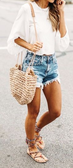 Heading out and exploring is always exciting, no matter what season it is! But summers throws one complication to we ladies, what to wear!! #shorts #outfits #summer #dress #summerdresses #summeroutfits
