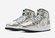 Nike Air, High Top Sneakers, Sneakers Nike, Nike Shoes, Jordan 1 Mid, Womens Jordans, Disco Ball, Nike Women, Air Jordans