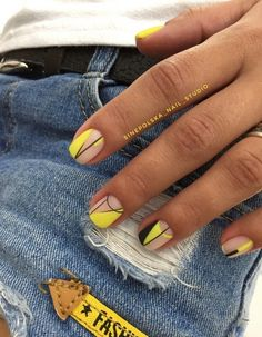 Beautiful Small Nail Art Design Ideas 2018 Nails Art design for very small nails in the autumn and winter season the best examples of the design of very small nails in the photo. These are Beautiful Small Nail Art Design Ideas Manicure Y Pedicure, Gel Nails, Acrylic Nails, Nail Polish, Simple Nail Art Designs, Easy Nail Art, Nail Designs, Cute Nails, Pretty Nails