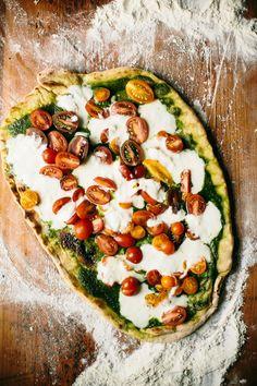 Bookmarked for summer parties: grilled pizza.