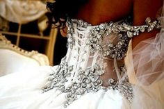 ANYTHING Pnina Tornai touches is magic! I'm SOOOO in love with her designs.... especially this one!