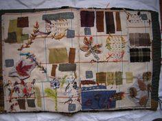 Carnets et livres textile Fabric Art, Fabric Crafts, Fabric Books, Stitch Book, Fabric Journals, Art Textile, Textile Fabrics, Handmade Books, Journal Covers