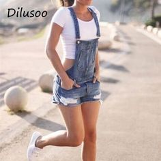 45 Trendy Summer Outfits Ideas for Girls To Wear Now - Fashmagg Jumpsuit Casual, Short Jumpsuit, Denim Jumpsuit, Denim Romper, Dungaree Jeans, Summer Outfits For Moms, Stylish Summer Outfits, Outfit Summer, Summer Shorts