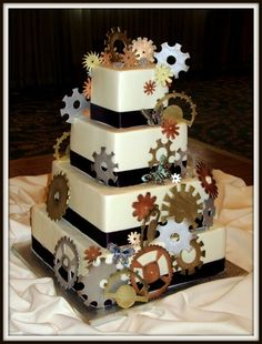 Steampunk Art Nouveau Wedding Cake: Gears and butterflies decorated my wedding… Wedding Cake Designs, Wedding Cakes, Wedding Ideas, Wedding Styles, Engineering Cake, Steampunk Wedding Cake, Art Nouveau, Classic Cake, Occasion Cakes
