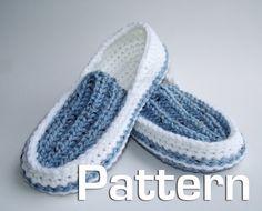 Men's Knit/Crochet Slippers pattern via etsy Crochet Slipper Pattern, Crochet Shoes, Crochet Blanket Patterns, Knit Crochet, Knitting Patterns, Crochet Blankets, Mens Moccasin Slippers, Knitted Slippers, Slipper Socks