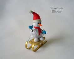 SimEl Art added 15 new photos to the album: Handmade Cards. Quilling Instructions, Paper Quilling Tutorial, Origami And Quilling, Quilling Craft, Quilling Ideas, Paper Christmas Ornaments, Quilling Christmas, Christmas Paper, Christmas And New Year
