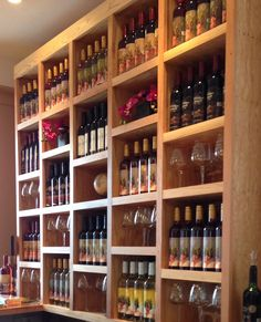 Wide River Winery Tasting Room, Le Claire, Iowa.