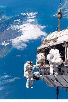 NASA's first all-women spacewalk features Michigan native Cosmos, Nasa Space Pictures, Nasa Photos, Nasa Images, Michigan, Nasa History, Space Photography, Astronauts In Space, Space Race