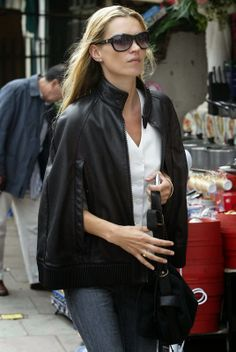 Kate Moss Loves Capes on y&i clothing boutique | shopyandi.com