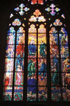 Prague St. Vitus Cathedral Stained glass   par mbell1975
