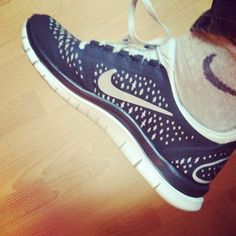 Nike Free Runs for Women Nike Free Runs For Women, Nike Free Run 3, Nike Women, Nike Shoes Cheap, Nike Free Shoes, Cheap Nike, Best Sneakers, Sneakers Nike, Discount Running Shoes