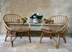 Fauteuils en rotin Vintage. Ces fauteuils font partie des exceptions remarquables: beau travail, robustesse et malgré l'âge et l'usage aucun défaut constaté.