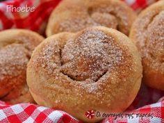 Ταχινόπιτες - Sweet buns with tahini Greek Sweets, Greek Desserts, Greek Recipes, Desert Recipes, Sour Cream Chocolate Cake, Chocolate Sweets, Sweet Buns, Sweet Pie, Custard Cake Filling
