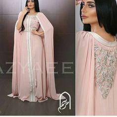 Morrocan Dress, Moroccan Caftan, Muslim Fashion, Hijab Fashion, Fashion Dresses, Traditional Fashion, Traditional Dresses, Caftan Gallery, Hijab Style Tutorial