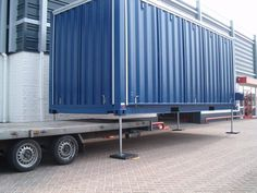 Evenementencontainer Troost Catering - Jozua Aanhangwagens Container Coffee Shop, Container Shop, Building A Container Home, Container Buildings, Food Containers, Shipping Containers, Shipping Container Restaurant, Prefab Modular Homes, Outdoor Seating Areas